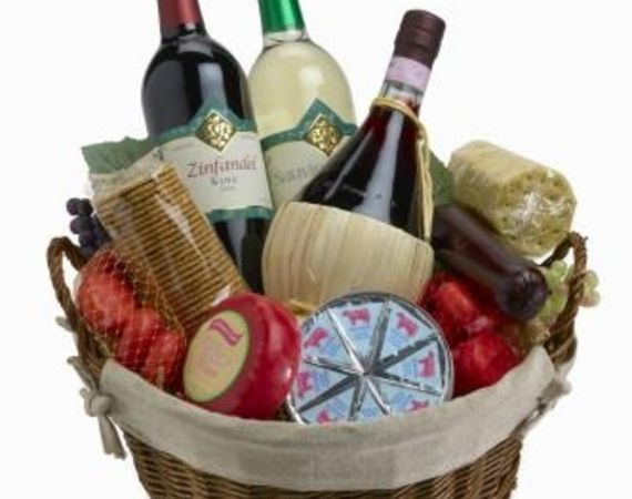 Homemade christmas gift basket ideas holidays pinterest for Ideas for homemade christmas gift baskets