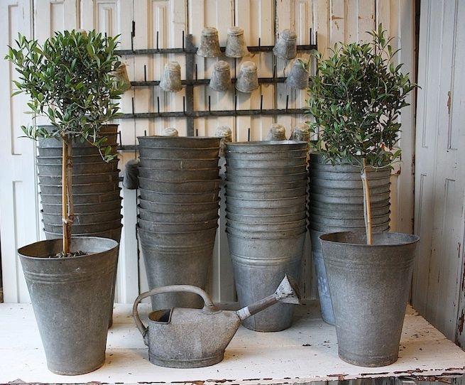 #18/221 Zinc Flower Buckets