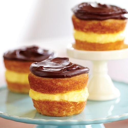 Boston Cream Cupcakes. #recipe | yum yum | Pinterest