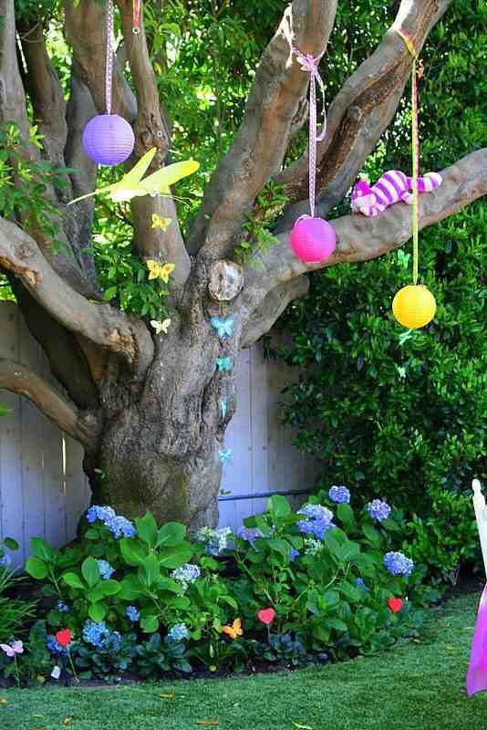 Alice In Wonderland Garden Theme Bathhouse Ideas Pinterest
