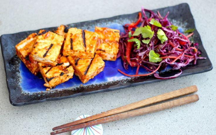 http://naturallyjoanna.com/2014/01/09/sriracha-miso-grilled-tofu/
