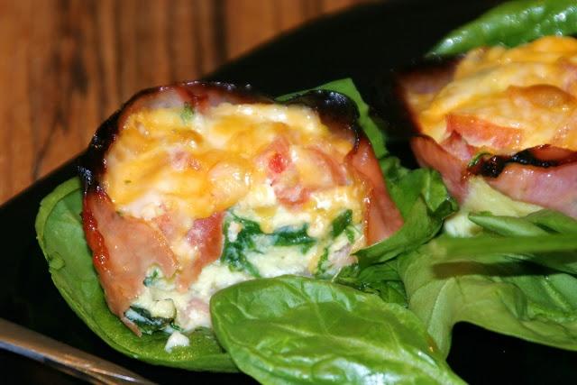 Ham Cups (spinach, chopped fresh tomatoes, eggs... yumma)