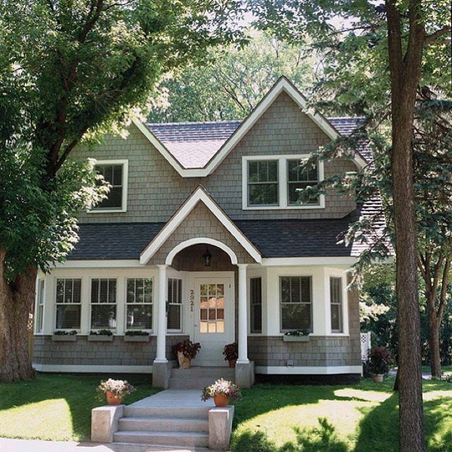Cozy cape cod cottage future home pinterest for Cape cod exterior