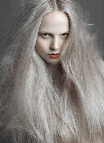 zeroing: ash grey hair