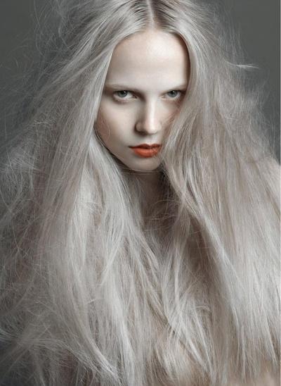 zeroing: ash grey hair
