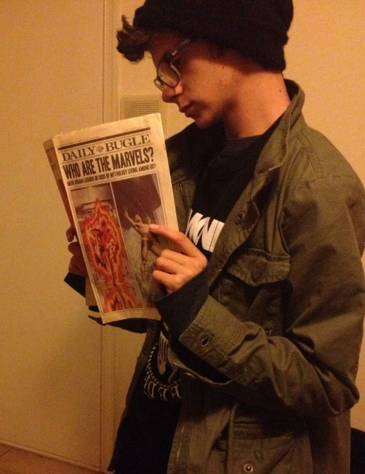 Peter Parker Ramones Outfit Cosplay reading the Daily Bugle # ...
