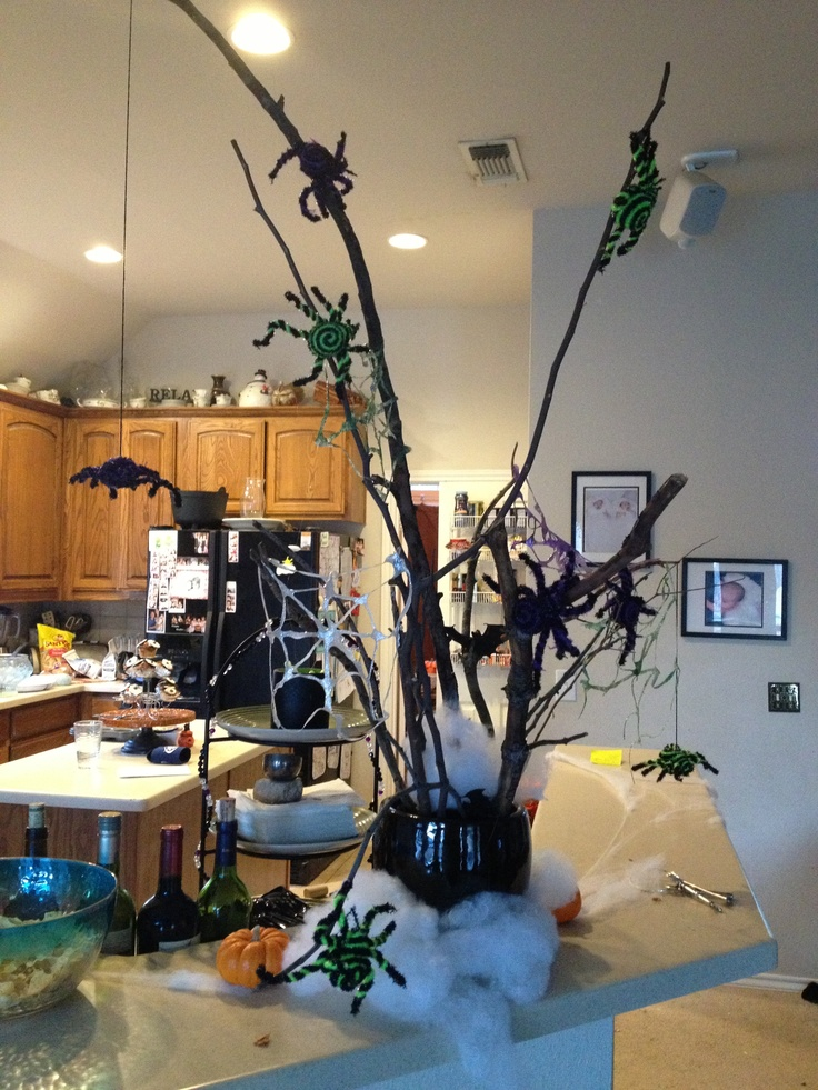 Halloween spider and web tree