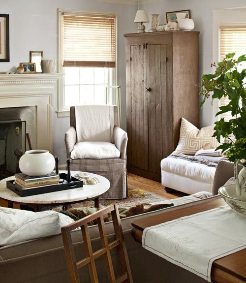 Love this classic, neutral living room.    #livingrooms #decorating