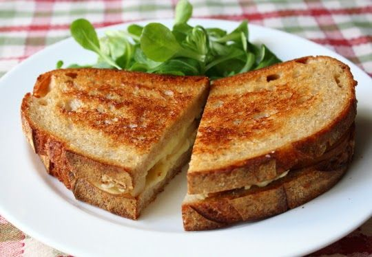 Grilled brie and pear sandwich | Sandwiches | Pinterest