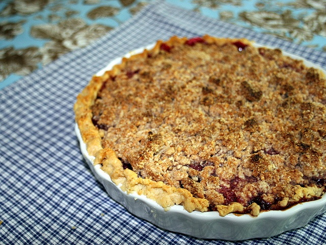 Cherry Pie With Almond Crumble Recipe — Dishmaps
