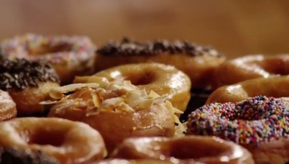 Crispy and Creamy Donuts #Foodlve #Crispy #Creamy #Donuts #Desserts