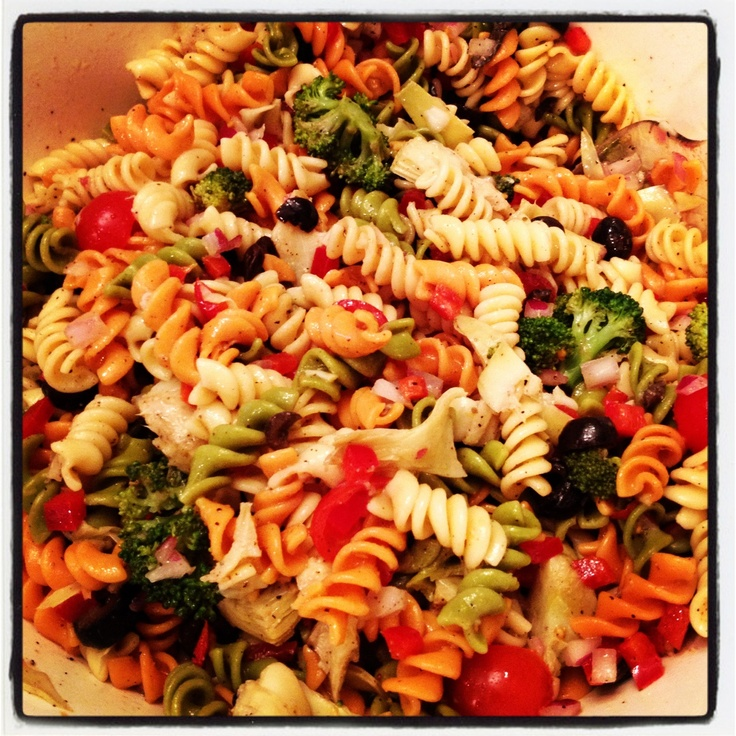 Pasta Salad With Roasted Bell Pepper, Mozzarella, Artichoke Hearts ...