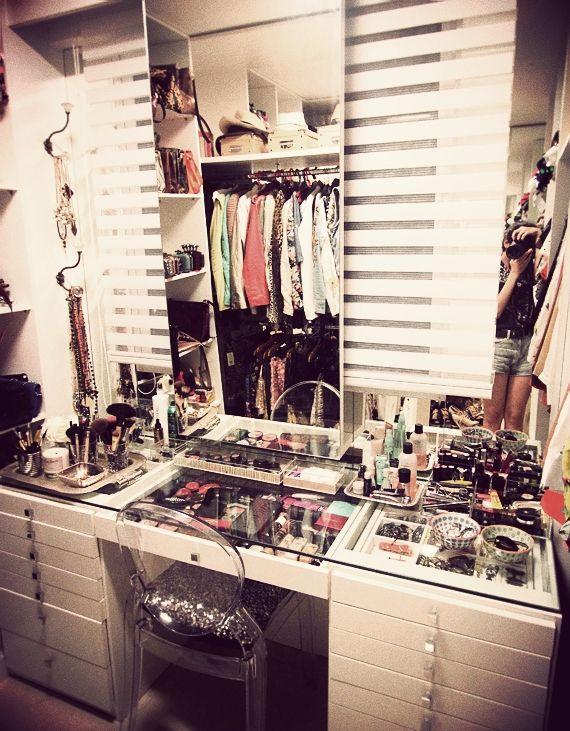 tenho a leve impressão de que é o closet da Camila Coutinho #garotasestúpidas