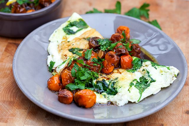 Spinach and Feta Omelette with Roasted Tomatoes