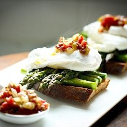 The perfect Brunch. Roasted asparagus with poached egg on toast ...