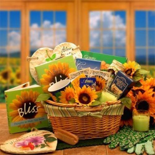 Garden Lovers Gift Basket Gift Basket Ideas Pinterest