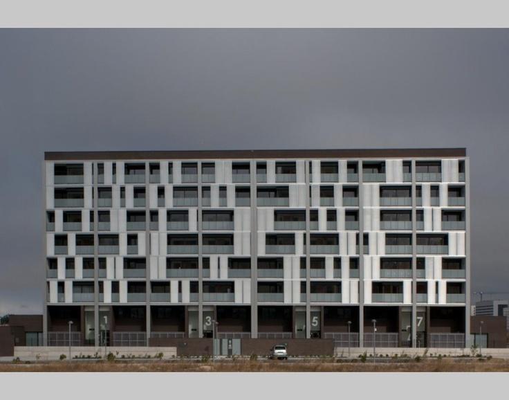sliding aluminium facade panels aluminium facades. Black Bedroom Furniture Sets. Home Design Ideas