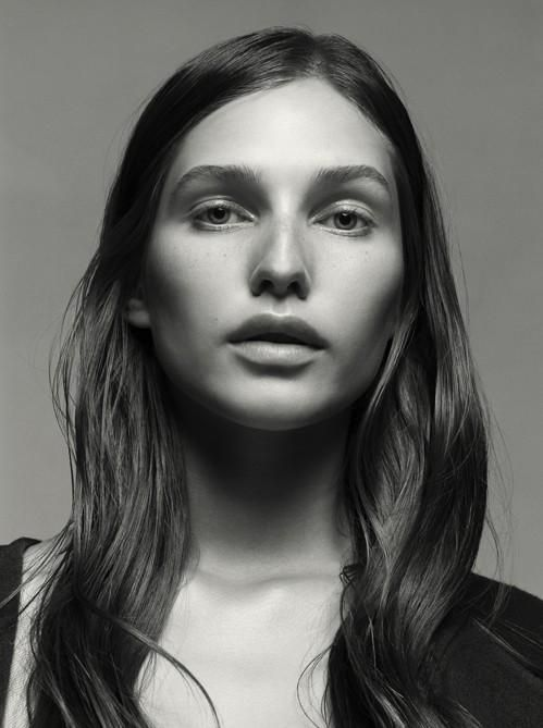 Kelsey Van Mook - Amica - Kelsey | Editorial for Fashion and Style ...