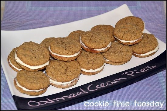 Homemade Oatmeal Cream Pies...move over Little Debbie