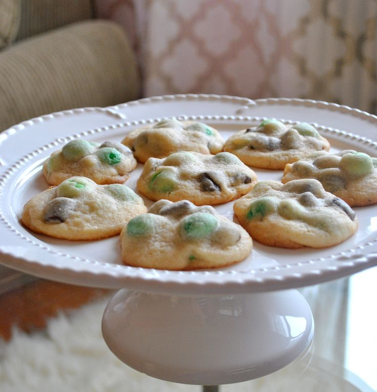 Mint Chocolate Chunk Cookies | Delectable Desserts | Pinterest