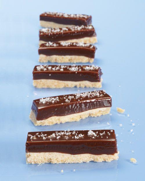 Chocolate-Caramel Cookie Bars with a sprinkle of sea salt