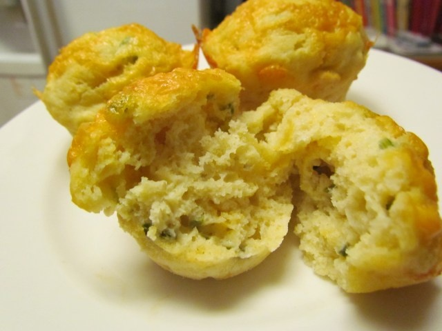 cheddar & green onion muffins | Recipes | Pinterest