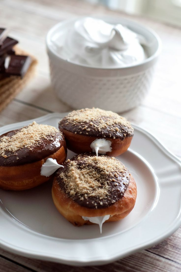 mores donuts - Wow... I'm not usually a donuts person, but these ...