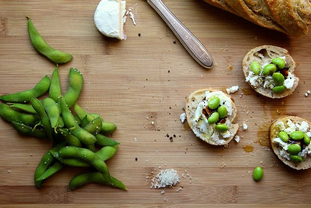 Goat Cheese and Edamame Lunch Toasts. yum