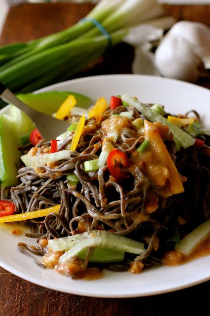 10 Minute Meal. Spicy Peanut Sesame Noodle Salad with black bean pasta ...