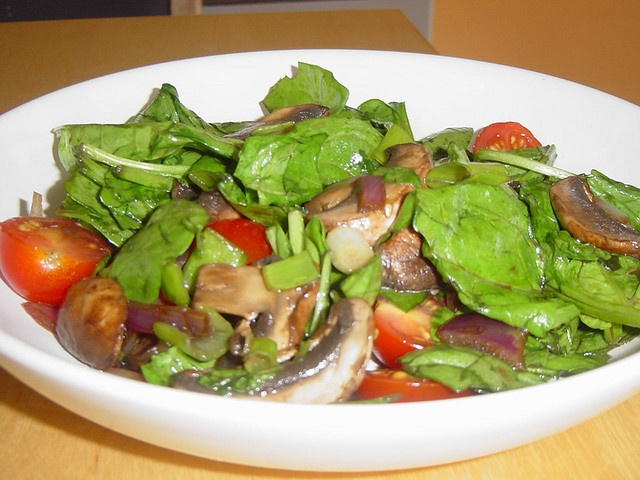 warm spinach mushroom tomato salad | Sides/Misc | Pinterest