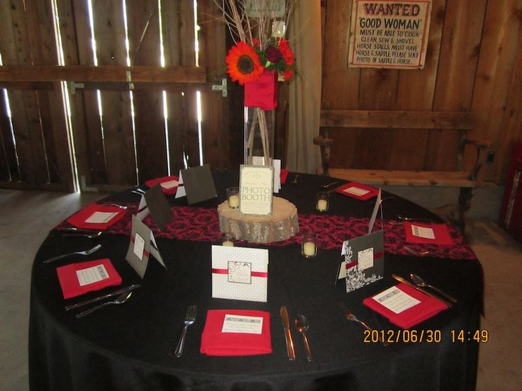 Table setting 30th birthday party pinterest