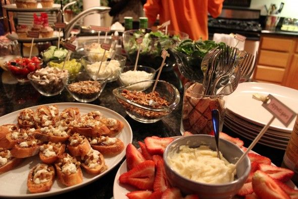 Salad bar ideas salad bar pinterest for Food bar party