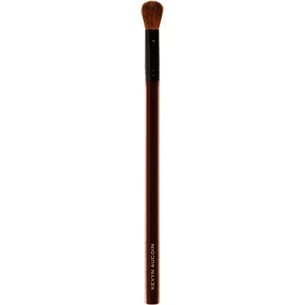 A nice compact eyeshadow brush