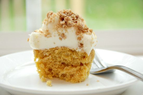 Pumpkin Ale Cupcakes with Streusel Cream Cheese Frosting Recipe ...
