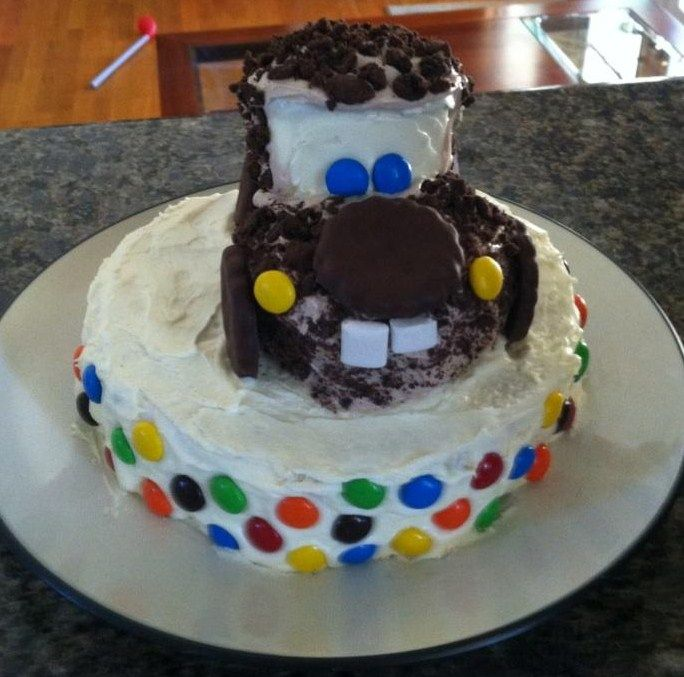 Disney Cars - Tow Mater Cake