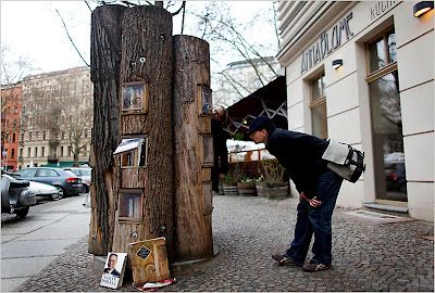 A library in a tree!