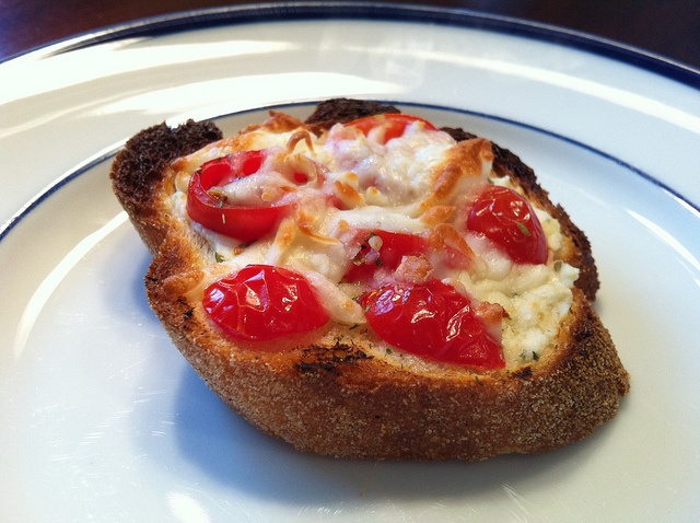 Mini Herb and Tomato Pizza Crostini | Recipes | Pinterest