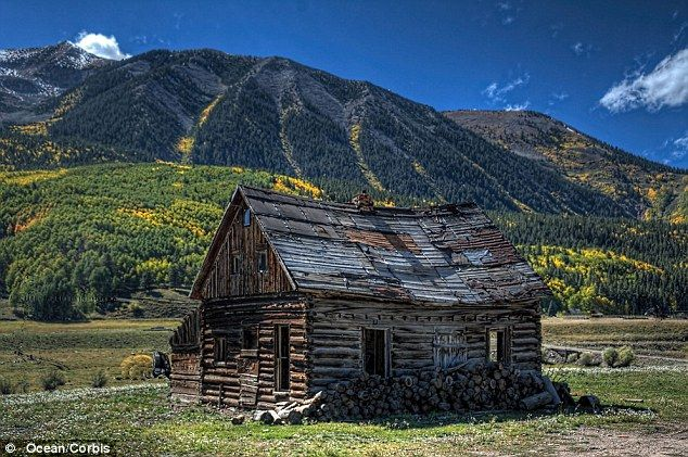 Log cabins inside pictures joy studio design gallery for Old rustic cabins