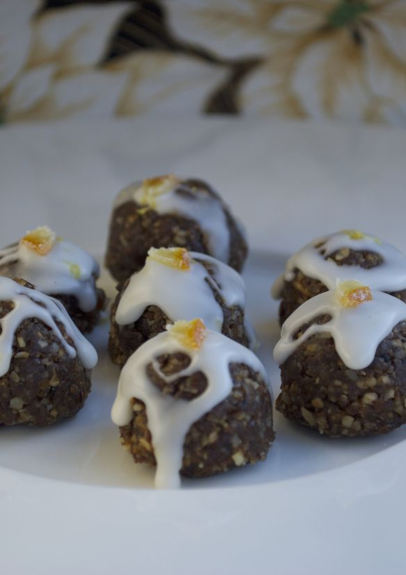 "Gingerbread ""truffles"" with lemon icing 