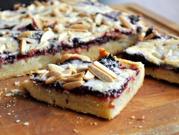 Blackberry Bars | These thick, buttery bars are topped with chunky ...