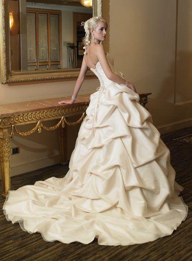 Pintuck wedding dress, yes please.  W // Wedding Attire  Pinterest