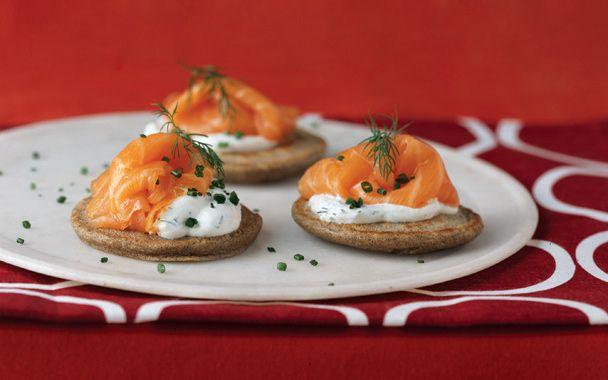 Buckwheat Pancakes with Smoked Salmon | finger food | Pinterest
