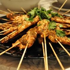 Bbq Chicken Satays (via www.foodily.com/r/HUQGbnDIS)