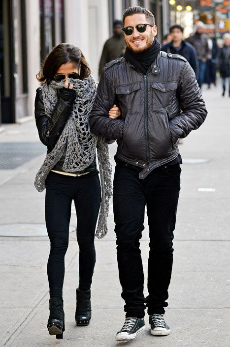 Kelly Monaco, Val Chmerkovskiy Step Out Arm in Arm in NYC Amid Romance ...