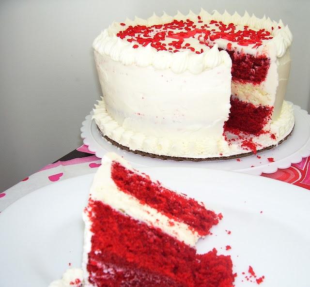Red Velvet Cheesecake Cake | Indulge | Pinterest