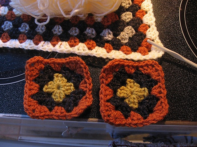Joining granny squares to a larger square for a Wendy blanket - on