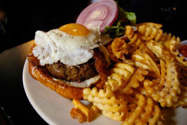 Kuma Burger, Kuma's Corner (Chicago) Beef patty, bacon, sharp Cheddar ...