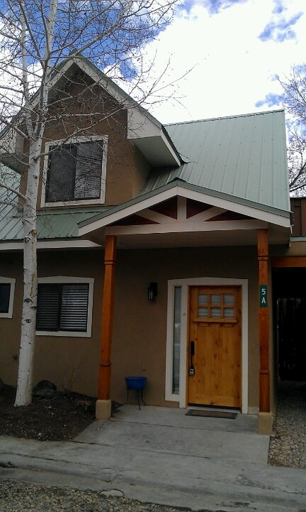 Pin by lily saienni on taos new mexico vacation rentals for Cabins in taos nm