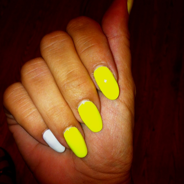 Neon yellow gel nails | Nails | Pinterest