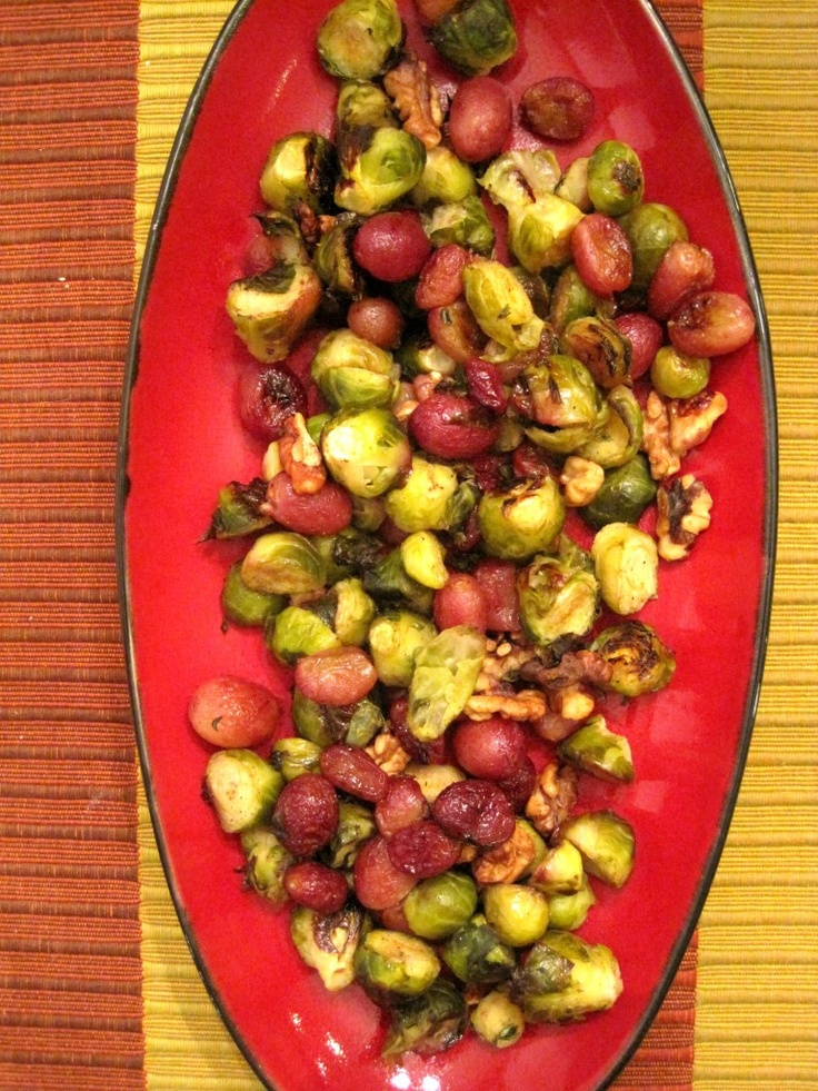 Roasted Brussels Sprouts, Grapes & Walnuts. So delicious and simple to ...